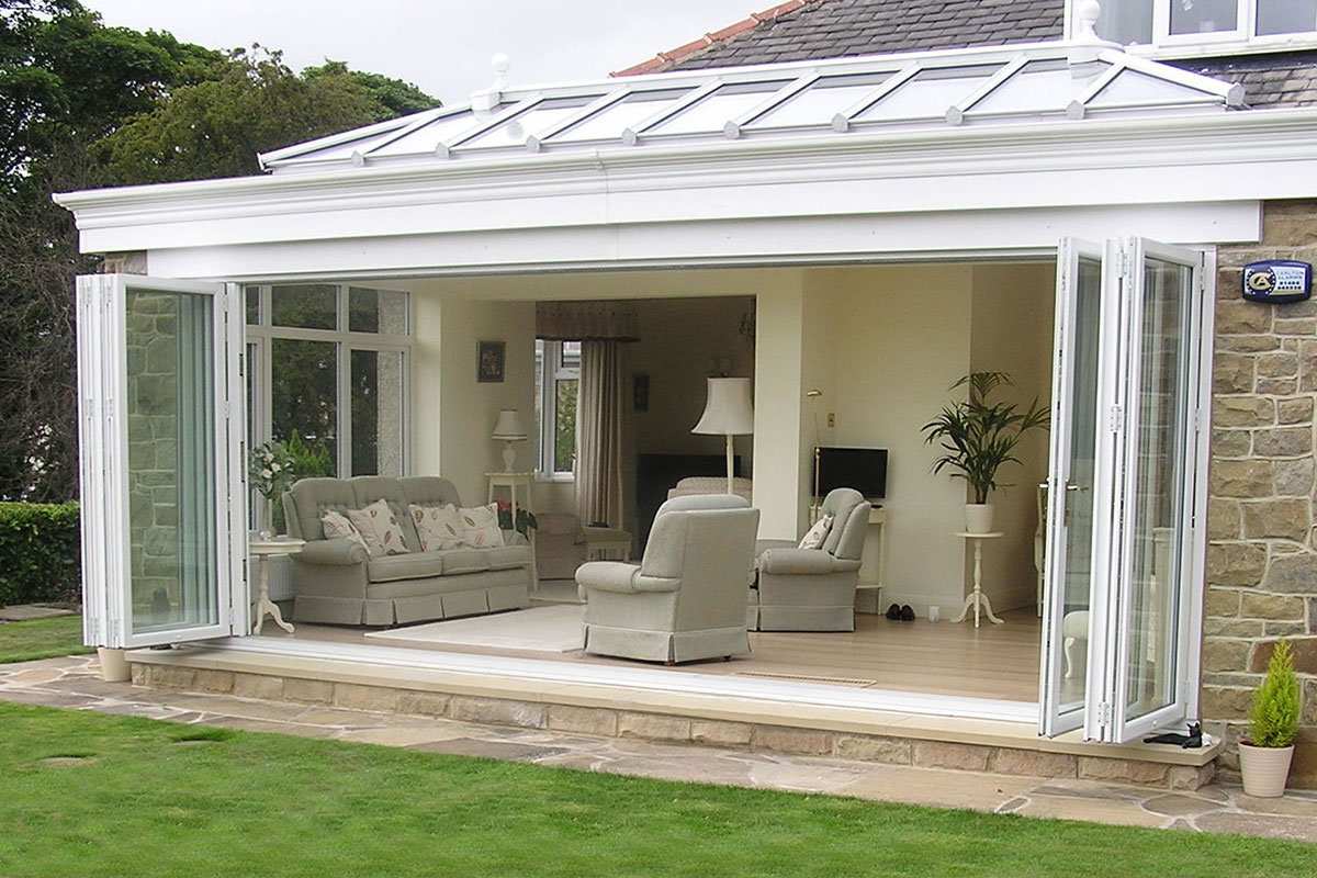 Windows doors conservatories confidence kitchens for Windows doors and conservatories